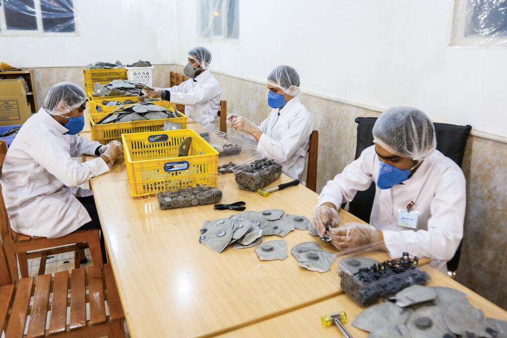 سفارش فرانسویها به کارگاه جهادی تولید ماسک در قم